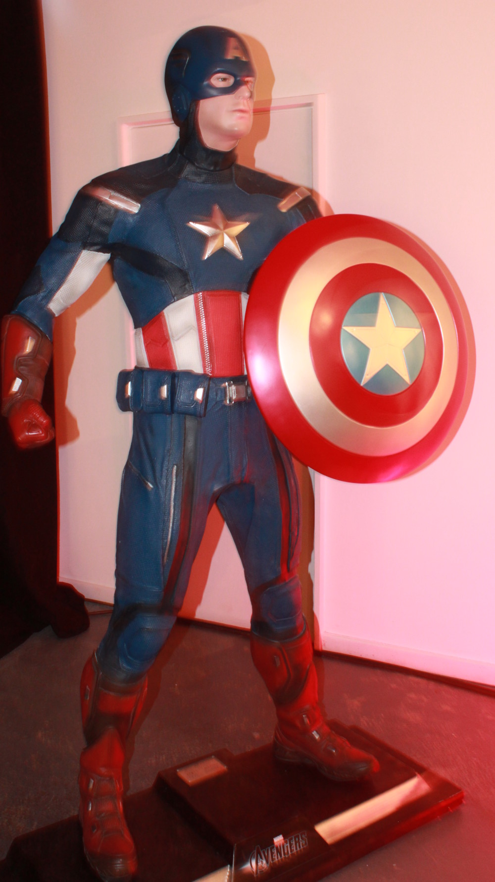 marvel-exhibition-01