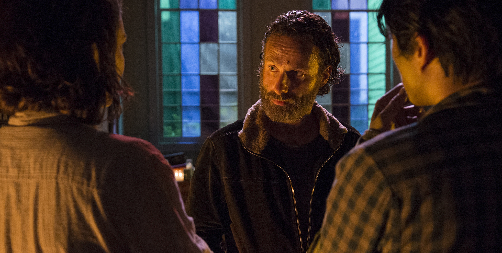 the-walking-dead-four-walls-and-a-roof-02
