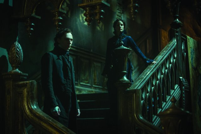 crimson-peak-still-02