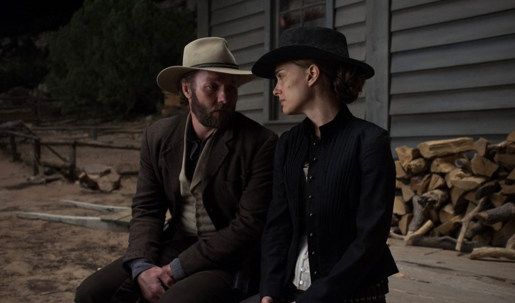 jane-got-a-gun-still-02