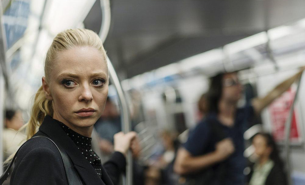 mr-robot-still-03