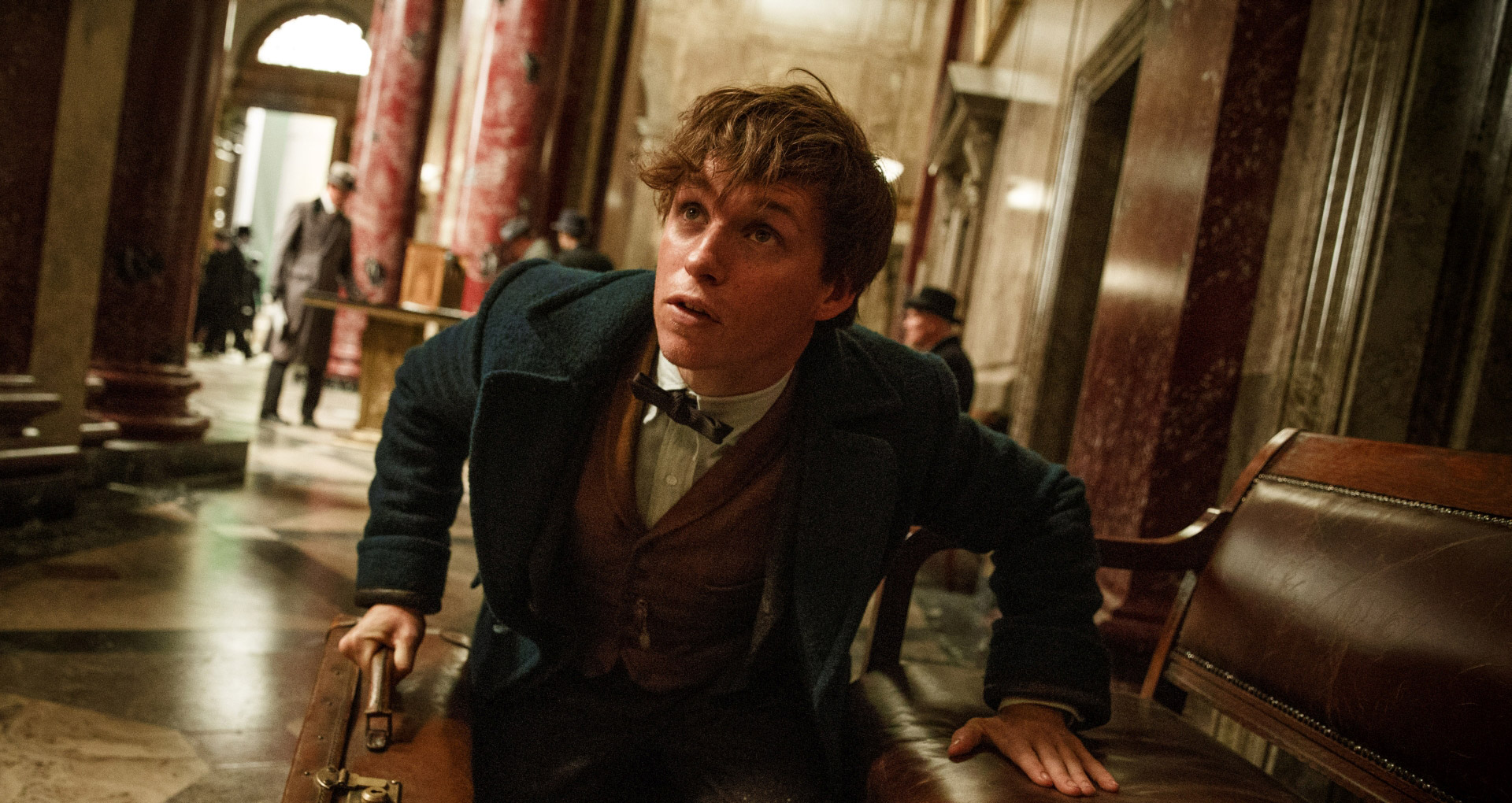 fantastic-beasts-still-01