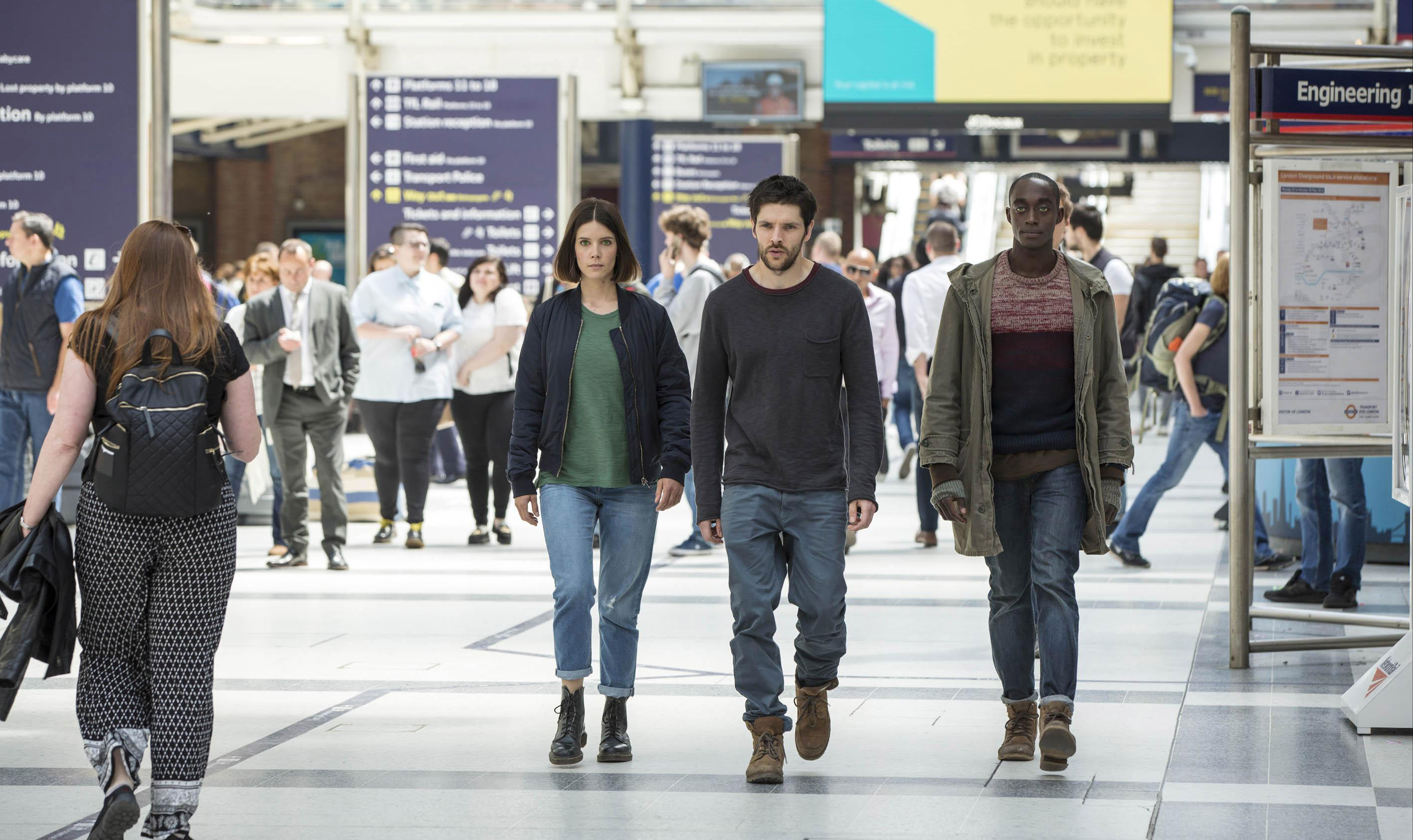 humans-series-2-episode-4-2
