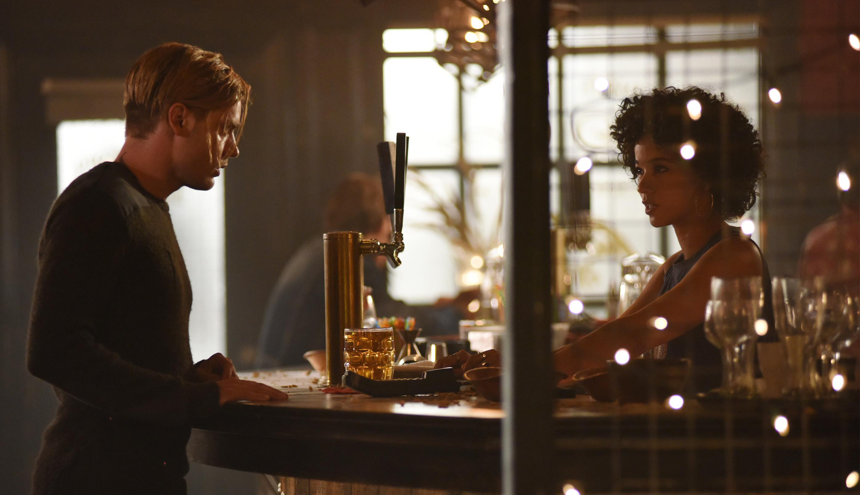 Shadowhunters Episode 2