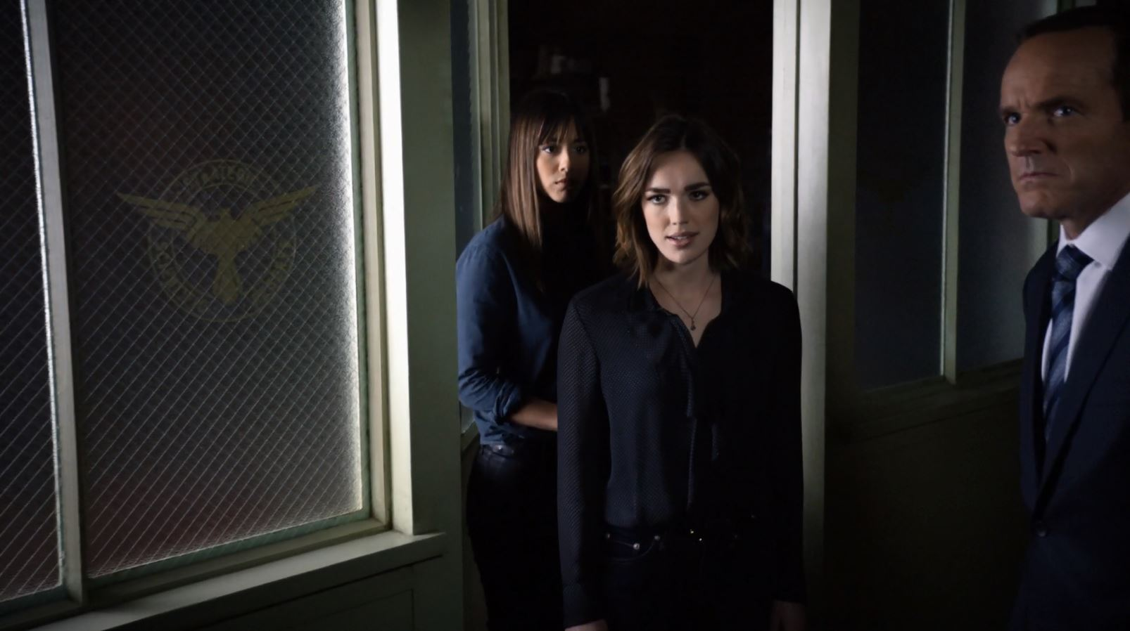 agents-of-shield-a-fractured-house-04
