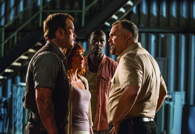 jurassic-world-still-01