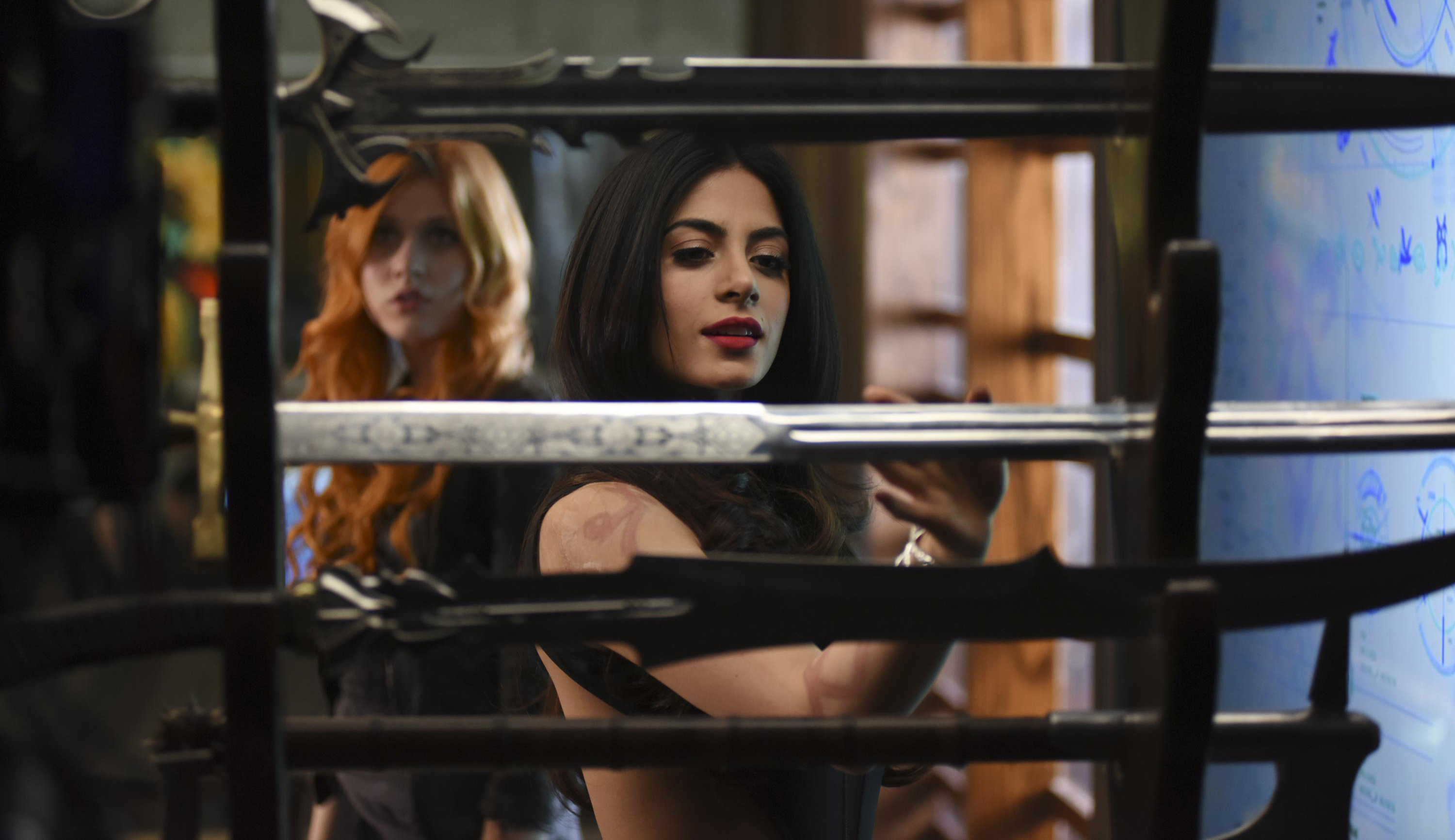shadowhunters-episode-2-3