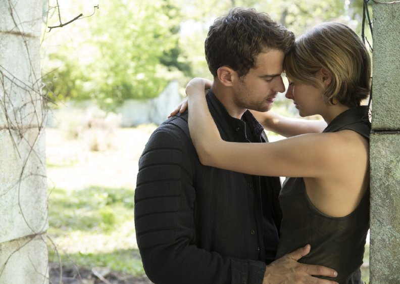 the-divergent-series-allegiant-still-01