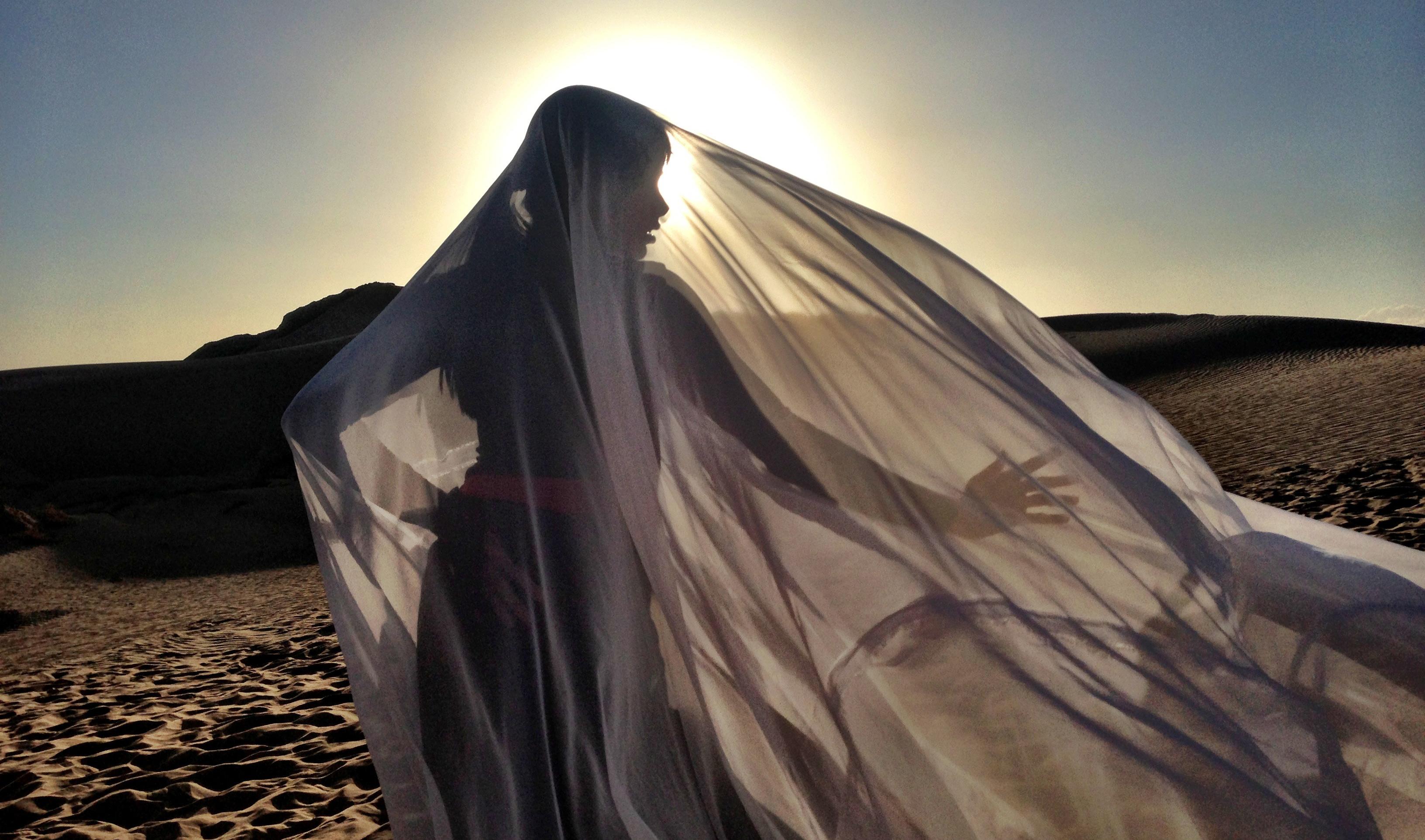 desert-dancer-03