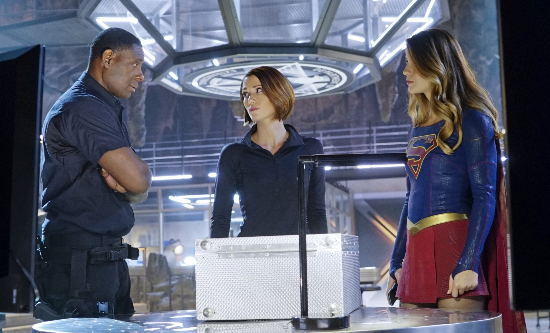 supergirl-season-1-still-02